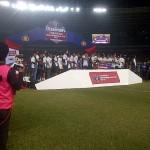 front drop awarding Event Final Piala Bhayangkara cup 2016 di GBK Senayan (26)