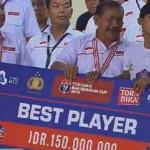giant check piala bhayangkara cup 2016